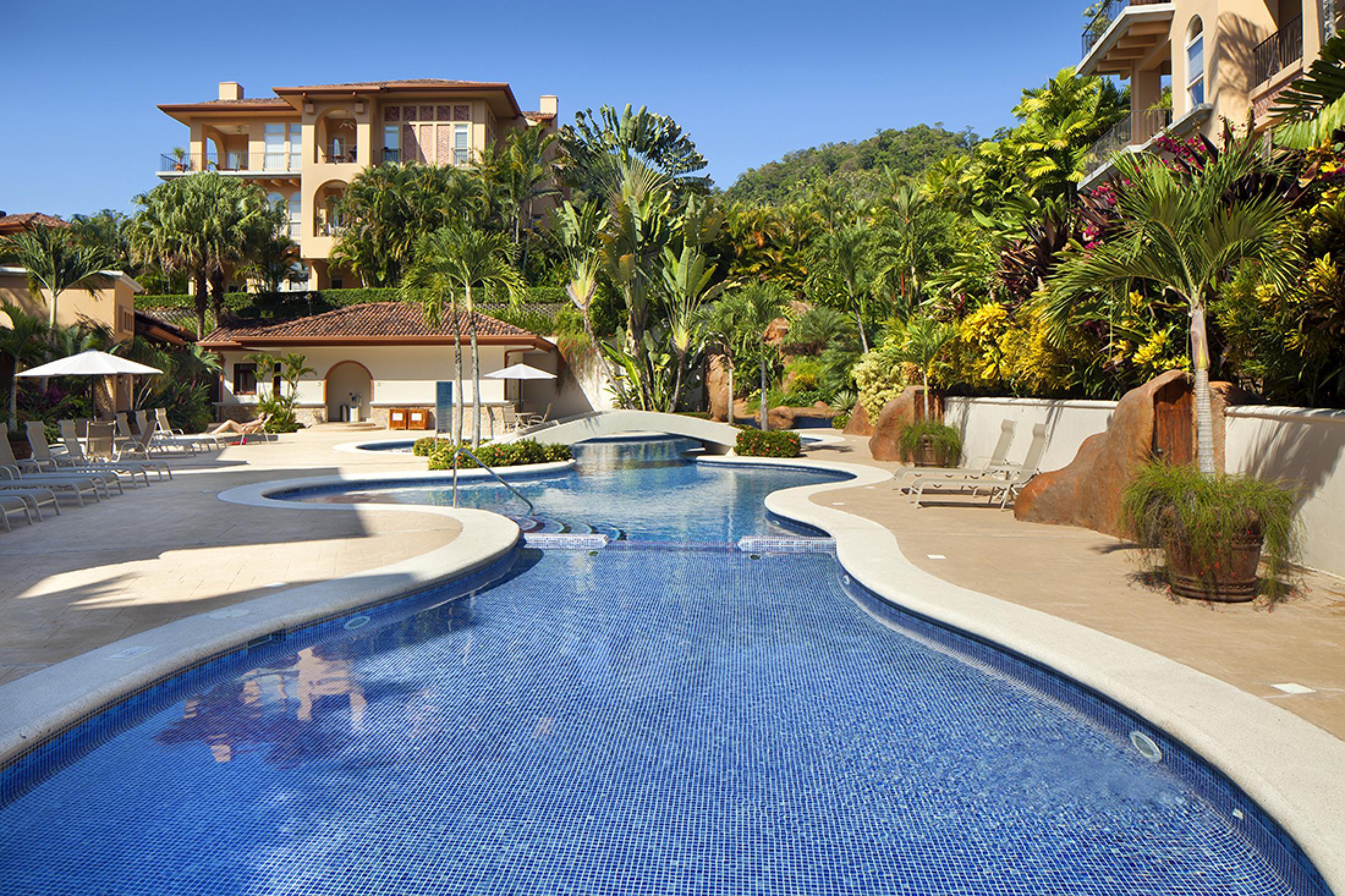 Bella Vista Premium Condominiums