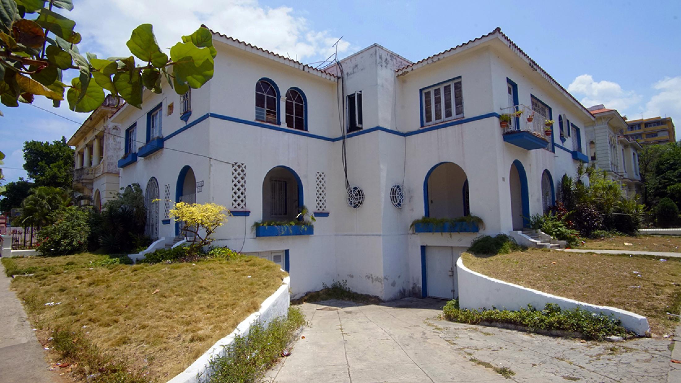Casa Raquel Mena 711