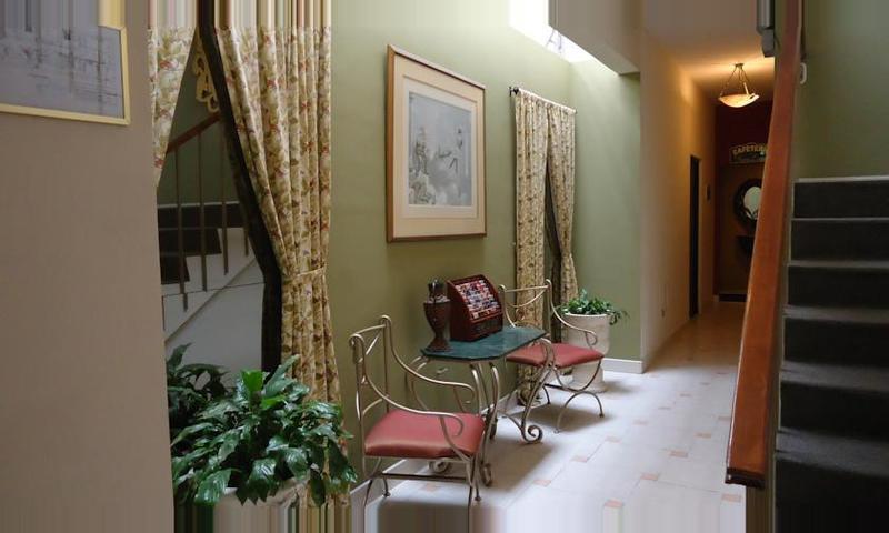 Hotel Leon de Oro Inn & Suites