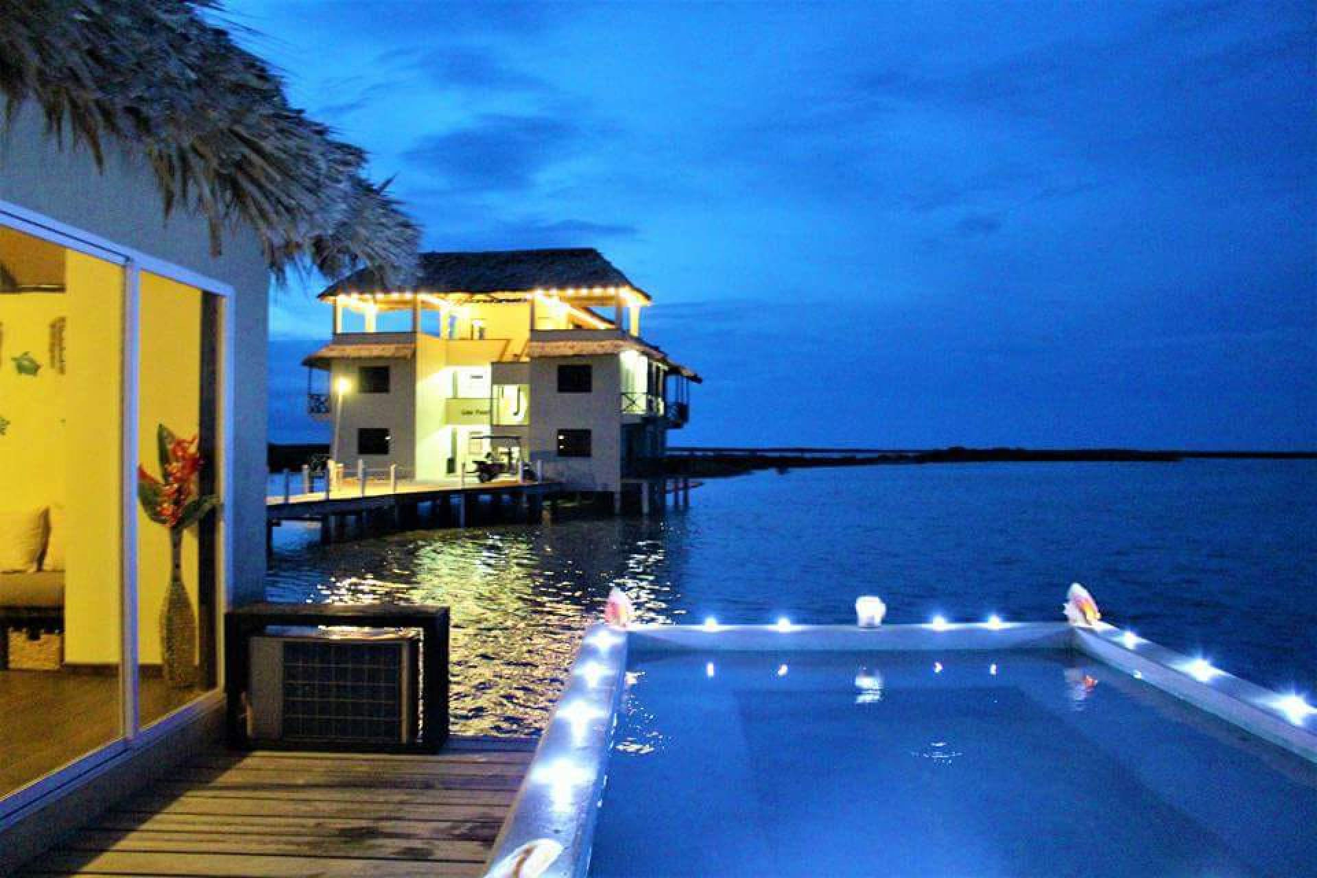 Lina Point Overwater Resort