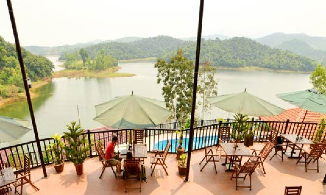 Phong Nha Lake House
