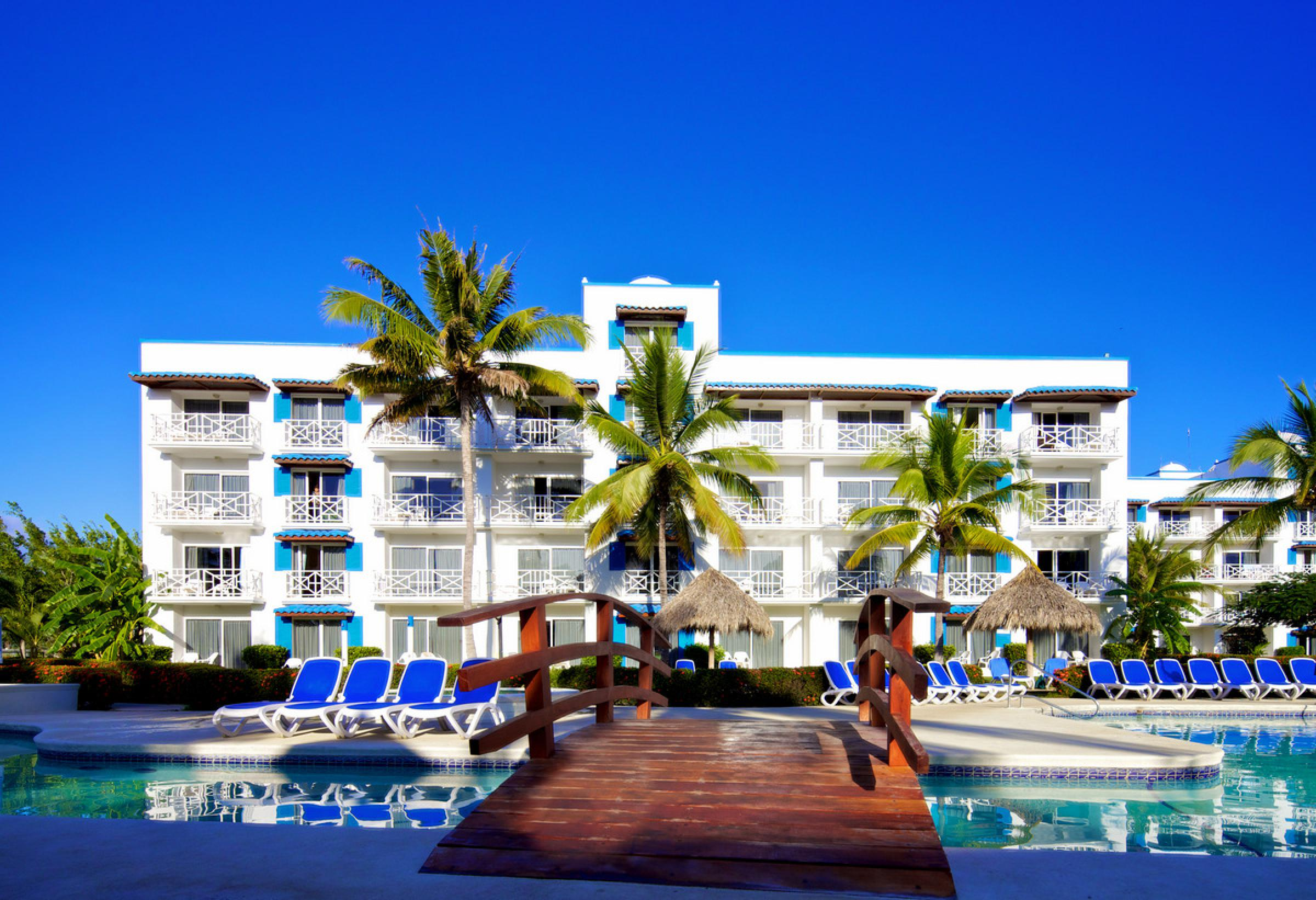 Playa Blanca Beach Resort