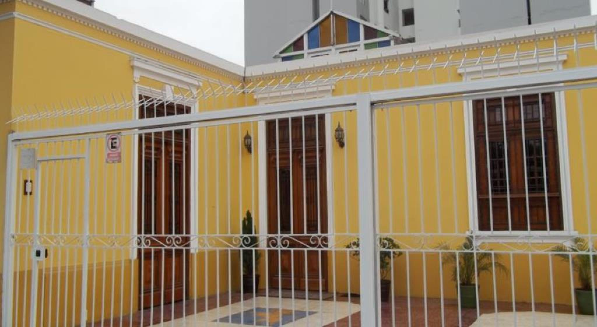 Residencial Miraflores Bed and Breakfast