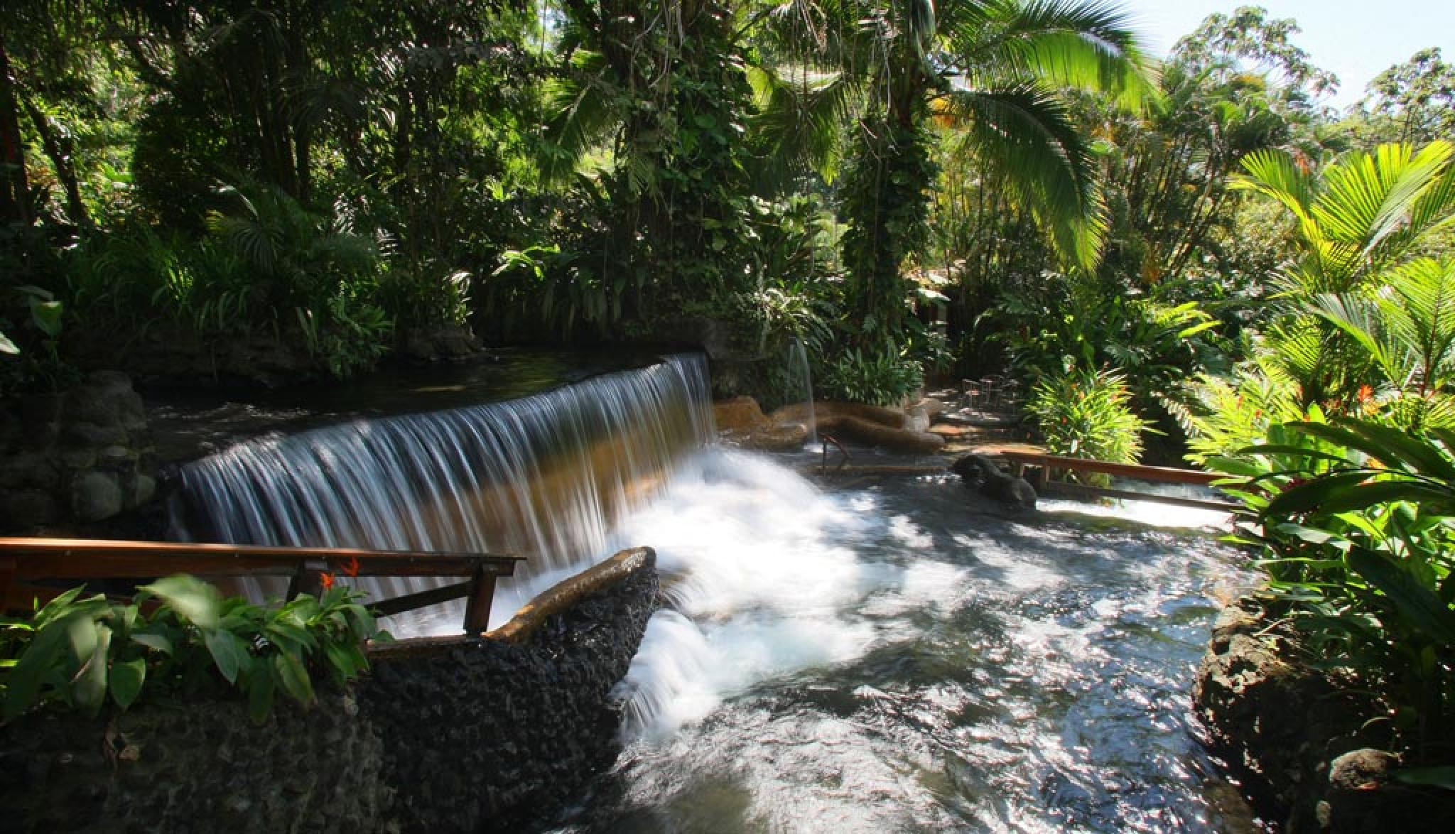 Arenal Volcano Walk and Tabacon Hot Springs