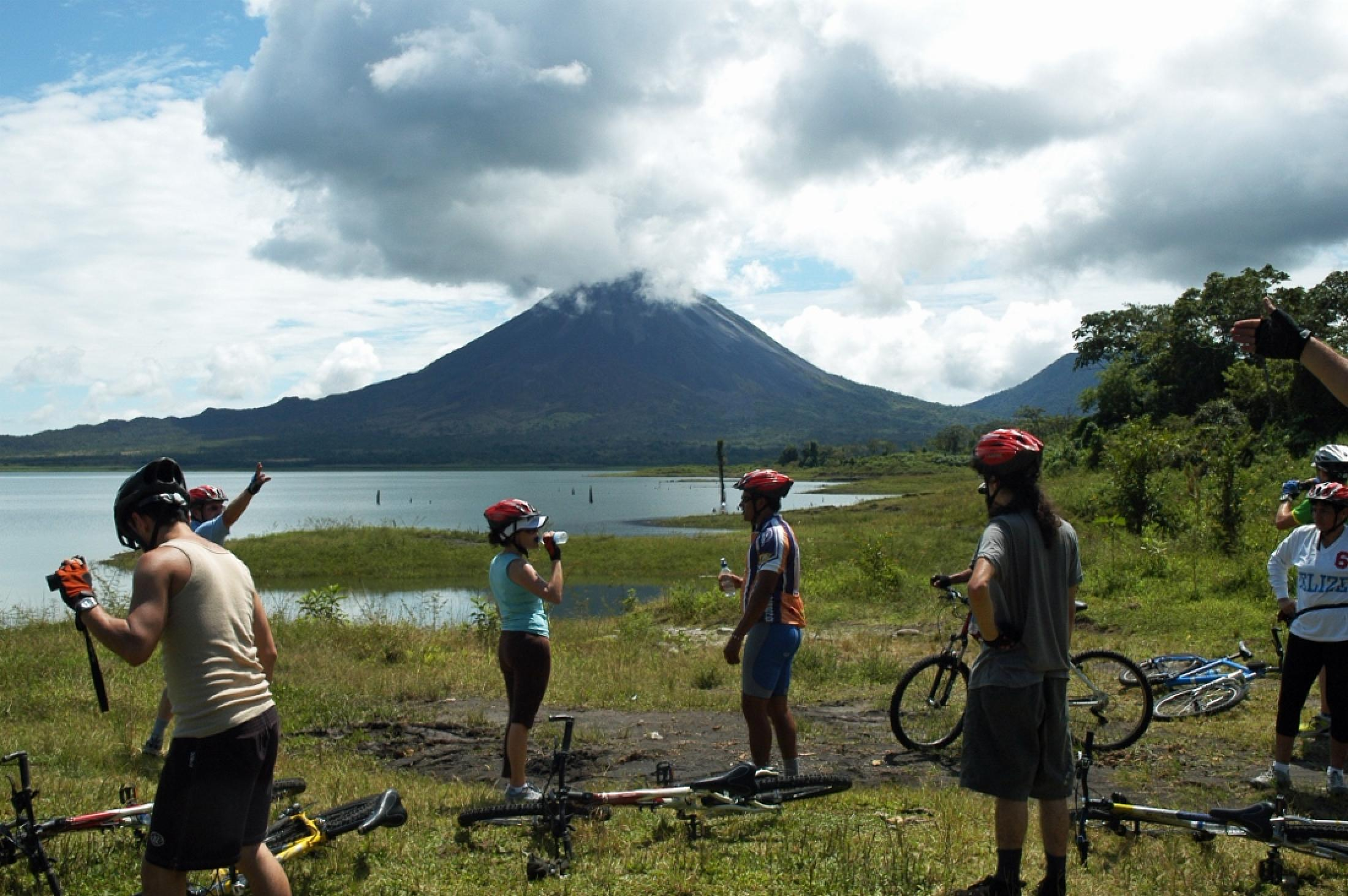 Combination Lake Arenal Kayaking and Biking