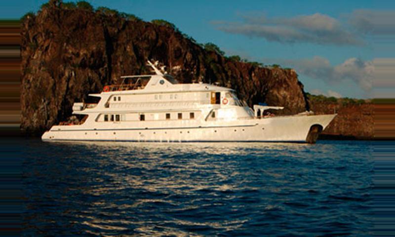 FC Coral I Cruceros Islas Galápagos