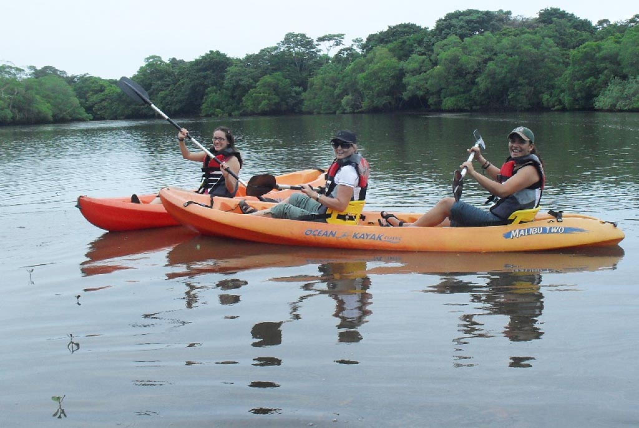 Paseo en Kayak en el Estuario Tamarindo