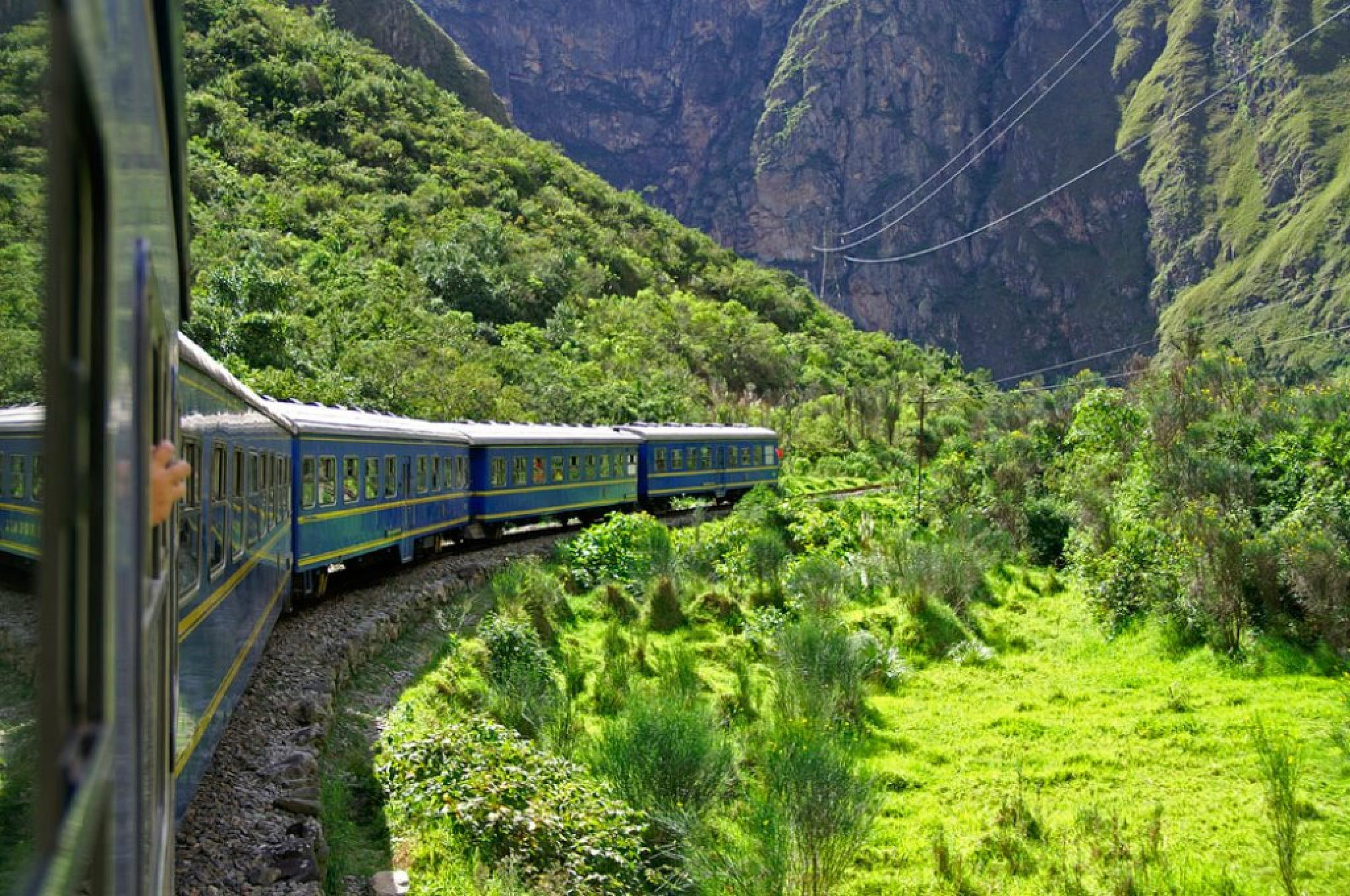 Expedition Train - Ollantaytambo to Aguas Calientes