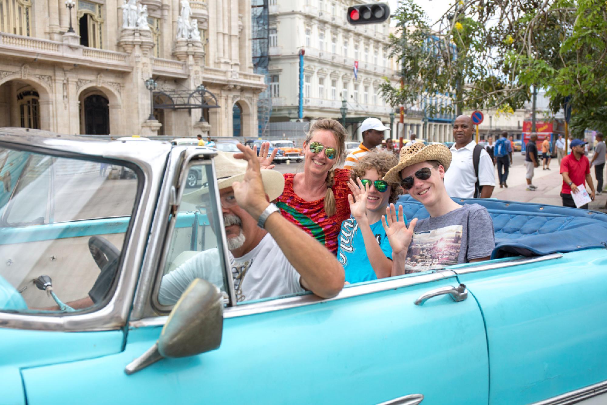 Tour en auto clásico por La Habana