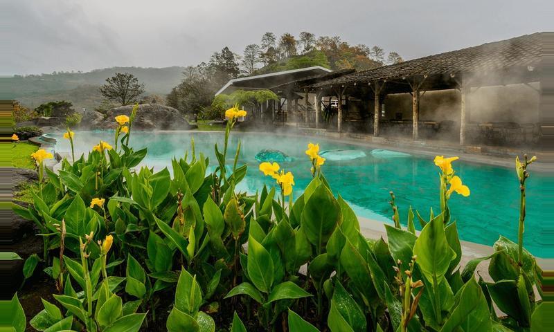 Volcán Irazú y aguas termales Hacienda Orosi