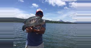 Costa Rica Pesca en el Lago Arenal