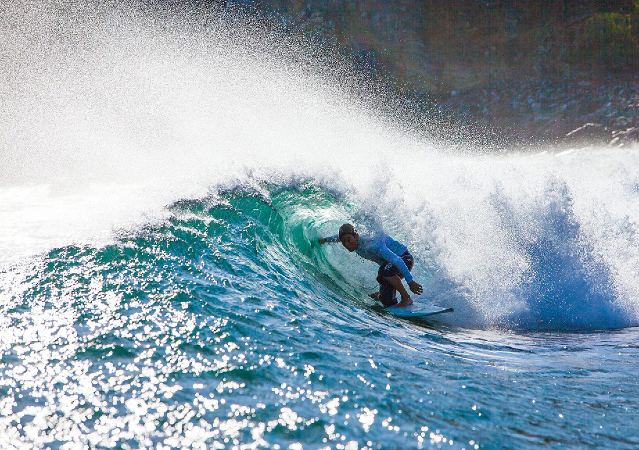 Viaje de surf a Ollie's Point y en Roca Bruja