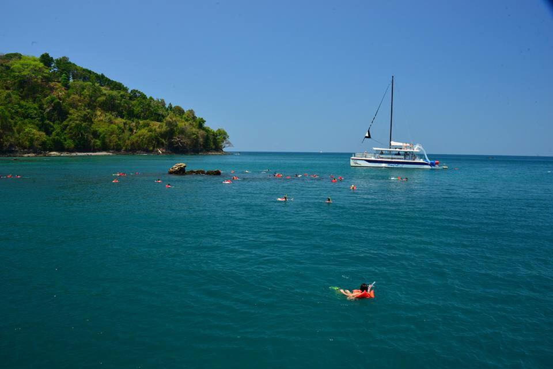 Manuel Antonio Catamaran Tour