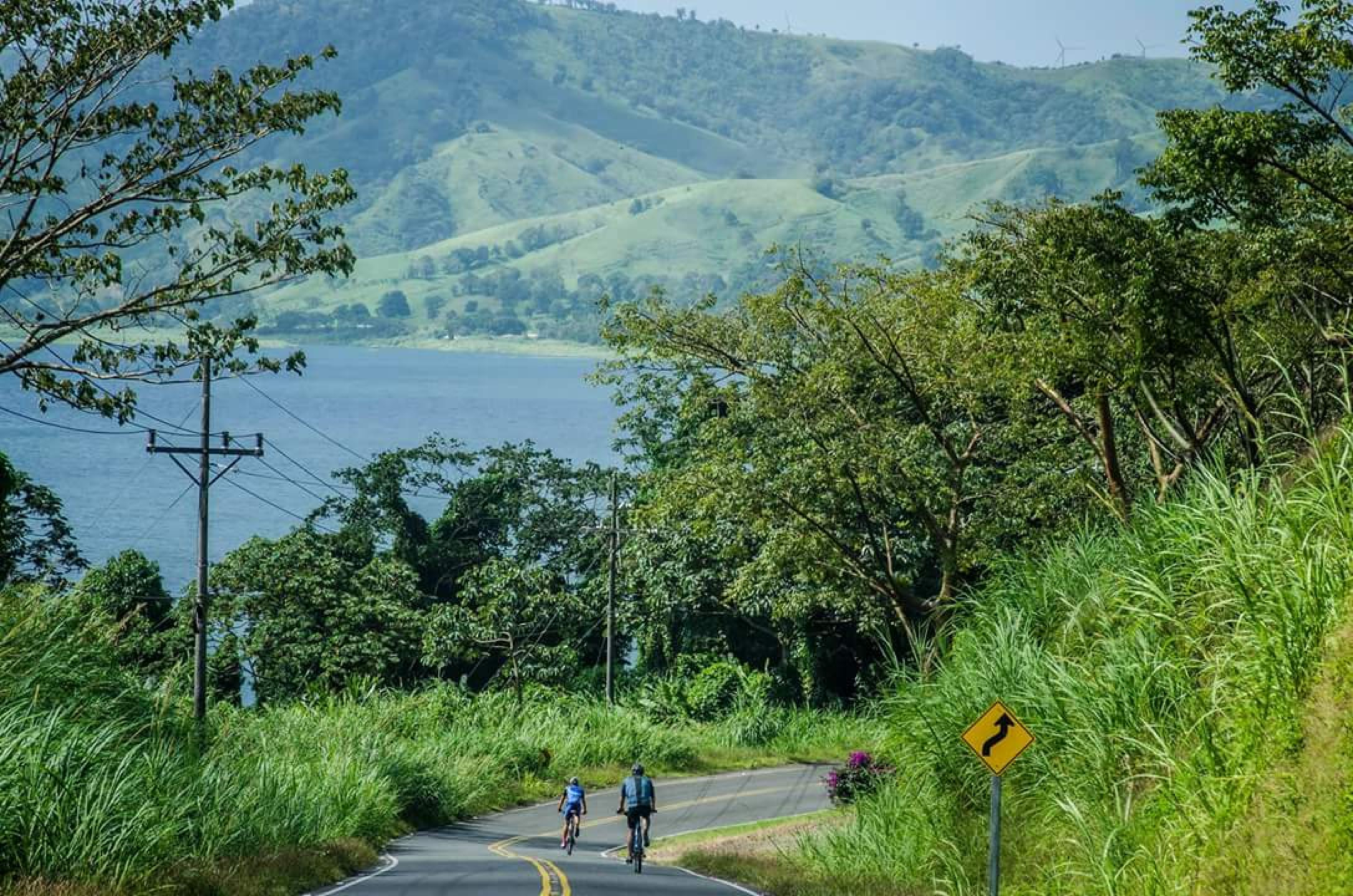 Road Bike around Lake Arenal