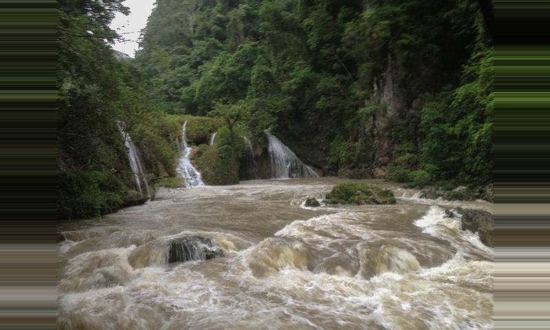 Semuc Champey, Copán, Quiriguá & Río Dulce 4-day Tour
