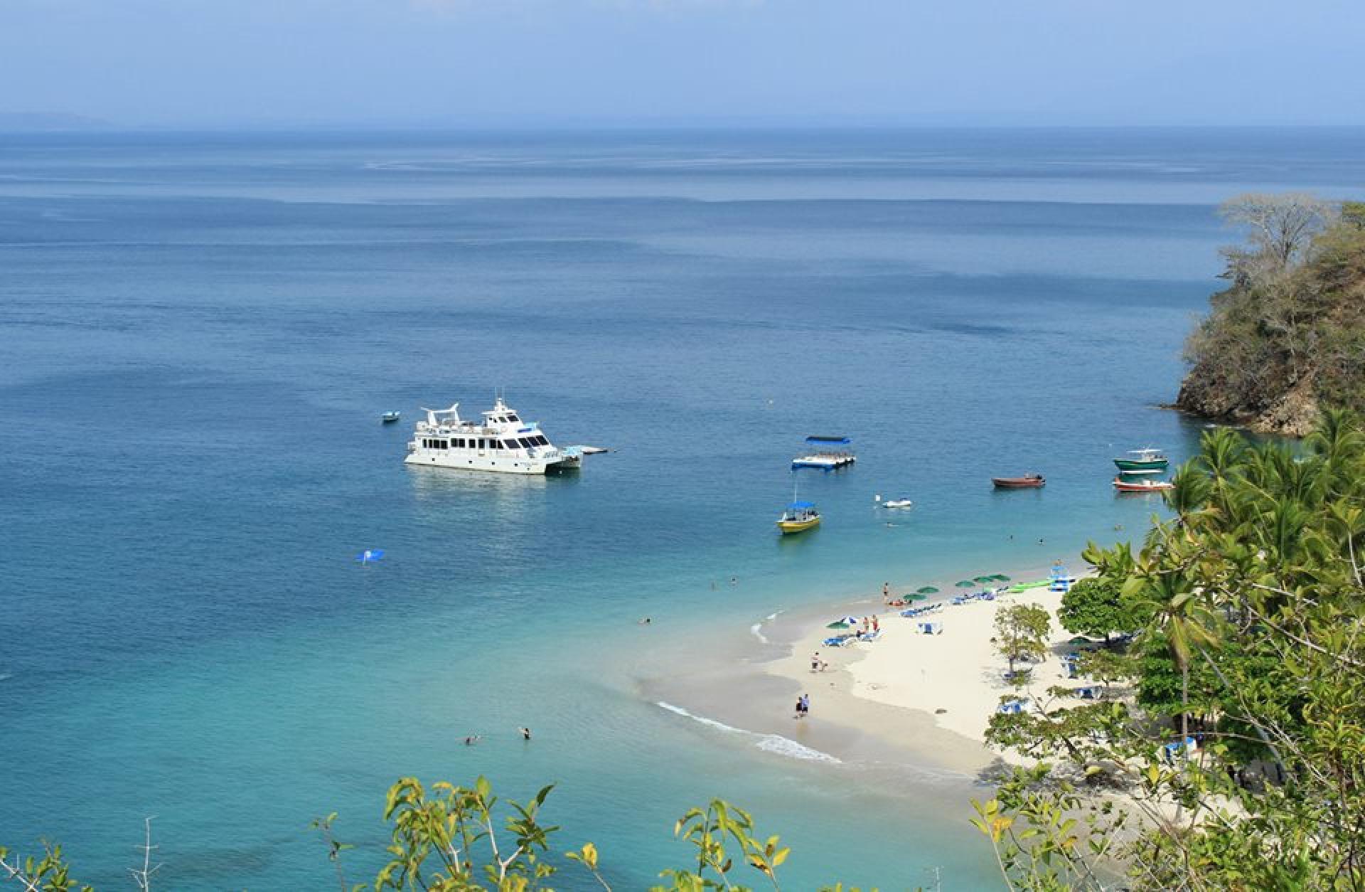 Tour por Isla Tortuga