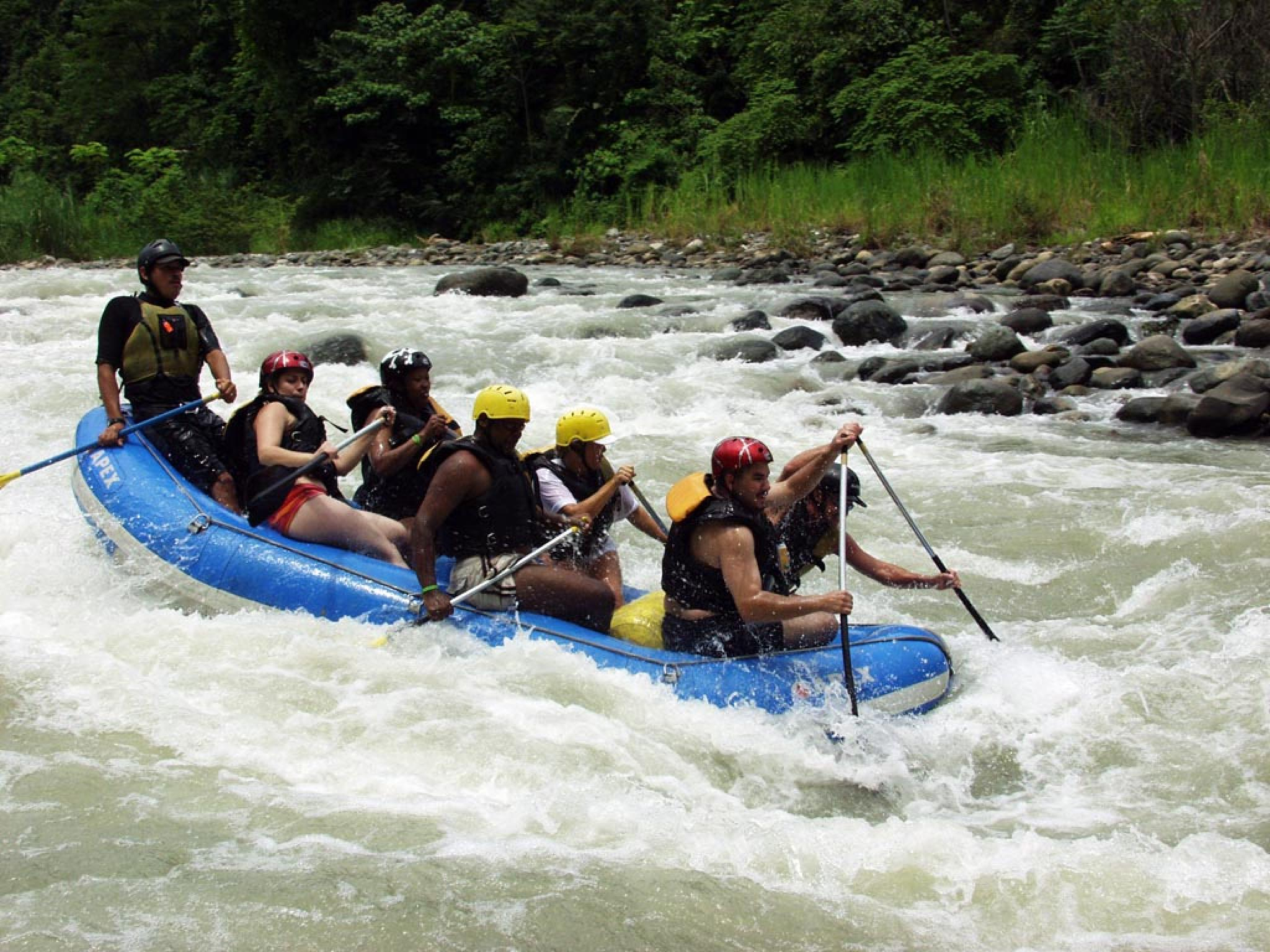 Rafting on the Savegre River