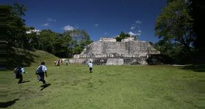 Belize Xunantunich and Belize Zoo Tour