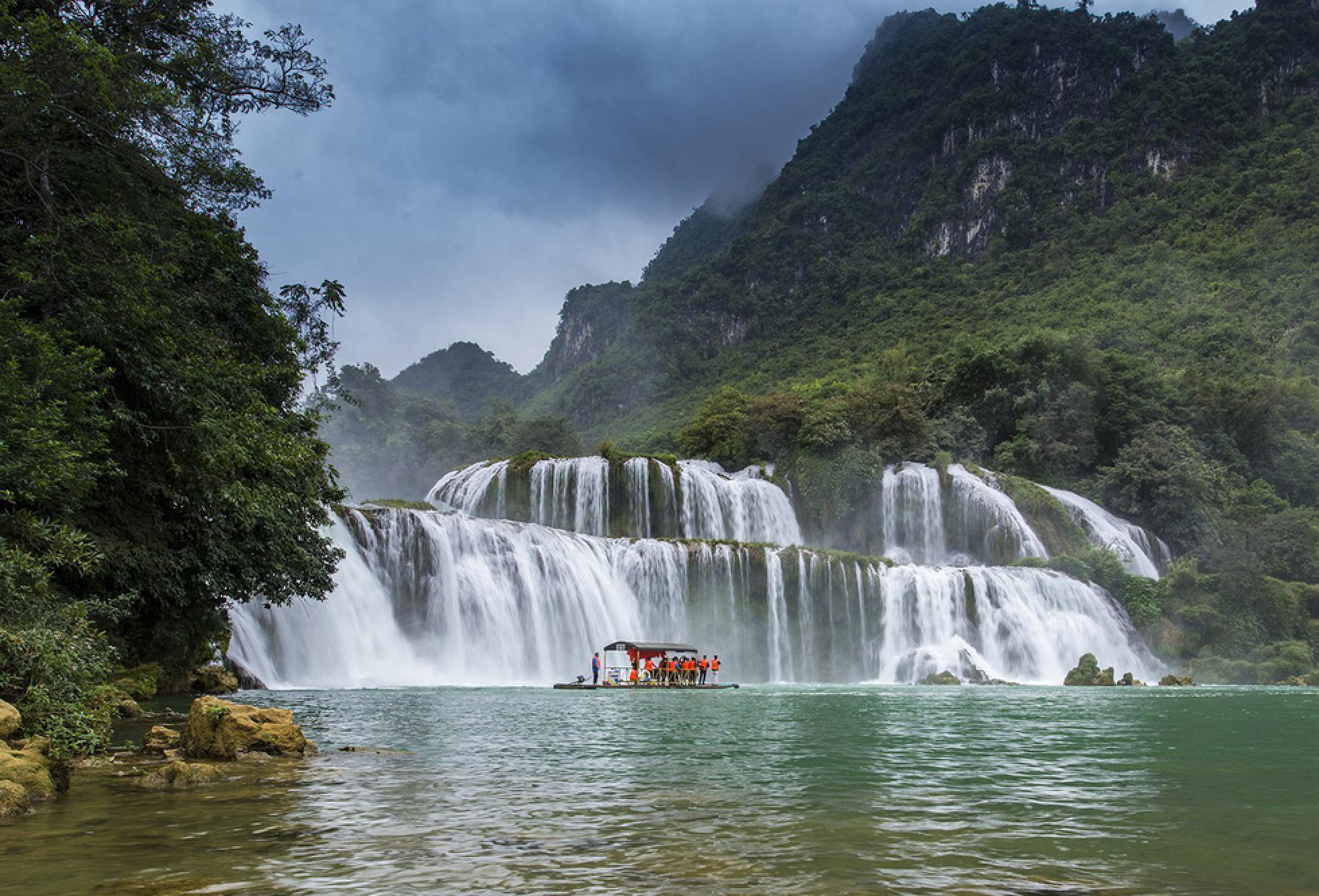 Ban Gioc Waterfall - Babe Lake 3 Days Group Tour from Hanoi