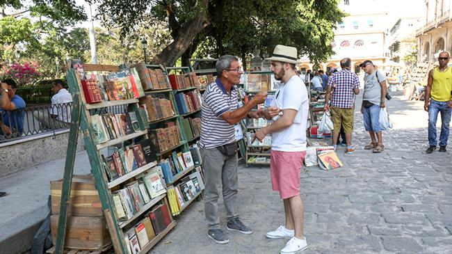 cuban bookseller